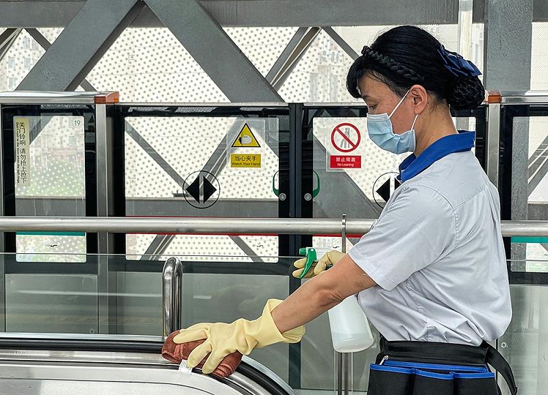 北京保洁公司,电动扶梯清洁